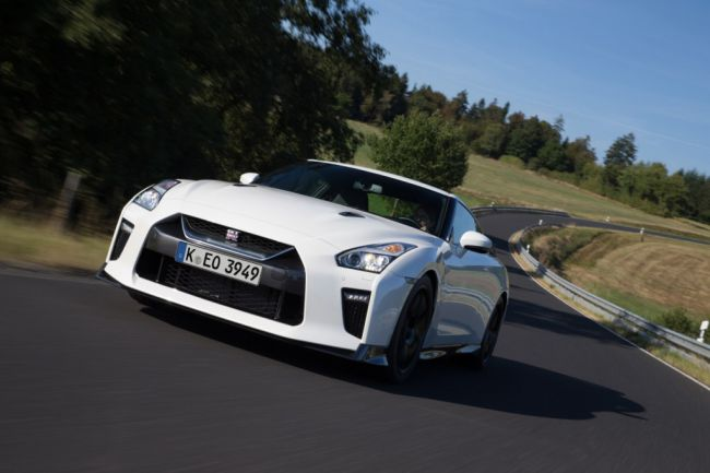 426153999_Nissan_GT_R_Track_Edition